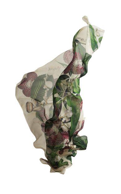 lenco-seda-fidji-floral-tamanho-U-Frente