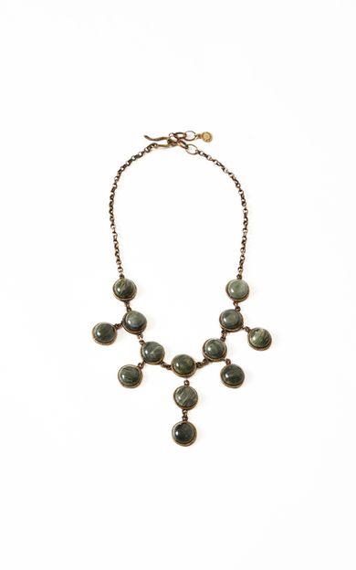 colar-pedras-verde-tamanho-U-Frente