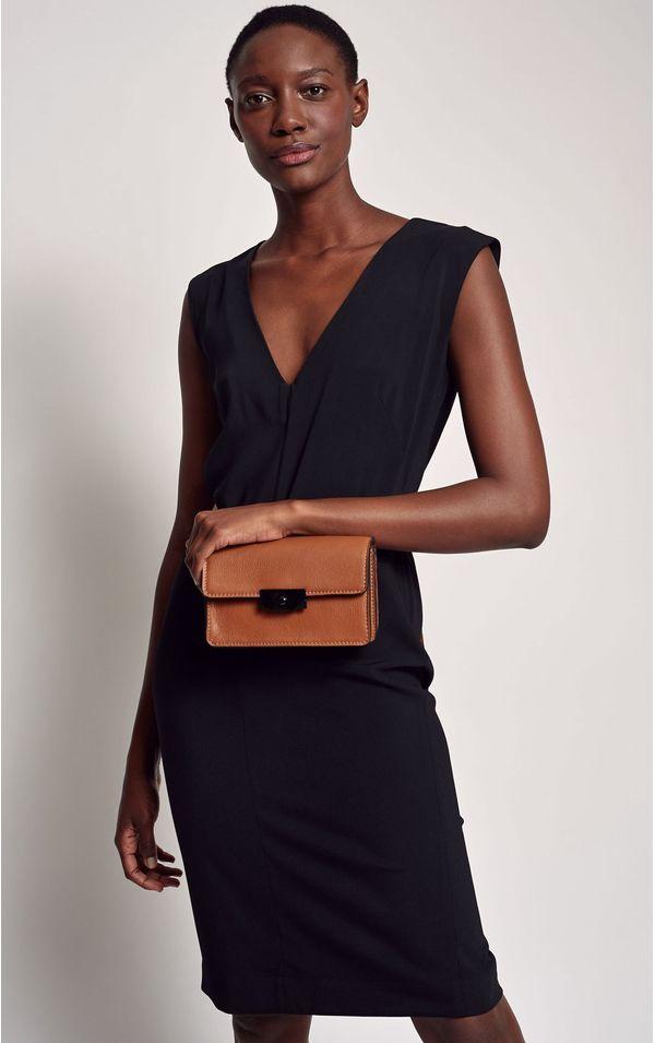 vestido-decote-v-preto-tamanho-PP-Frente