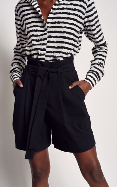 short-cintura-alta-faixa-preto-tamanho-38-Costas