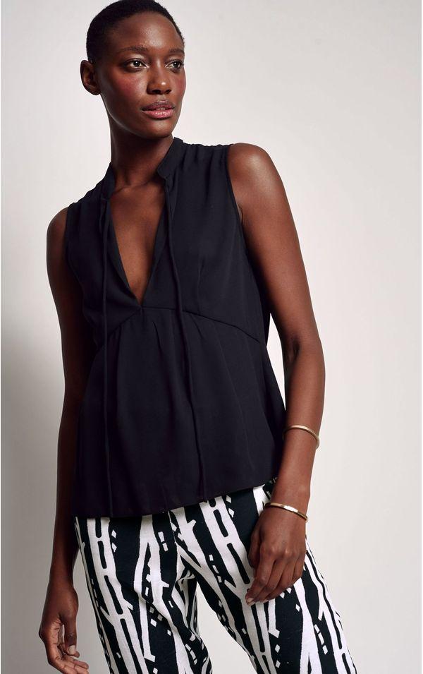 blusa-detalhe-rolote-preto-tamanho-P-Frente